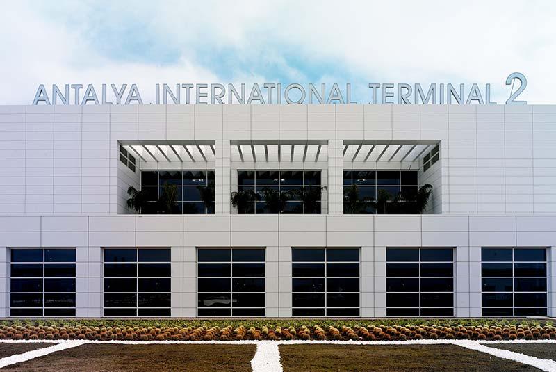فرودگاه آنتالیا، سومین فرودگاه شلوغ ترکیه
