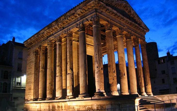عبادتگاه آگوستوس  Temple of augustus