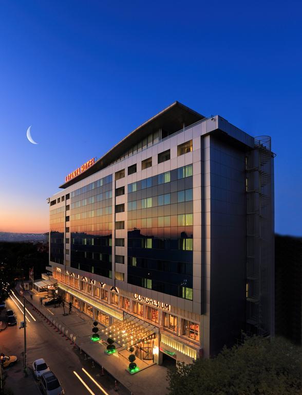 Latanya Hotel