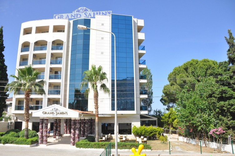 Hotel Grand Sahins