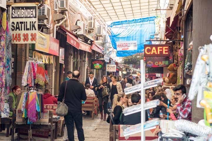 ارزانترین مراکز خرید ازمیر ، از بازارهای محلی تا اوتلتها