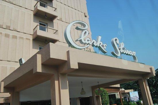 clarks shiraz hotel