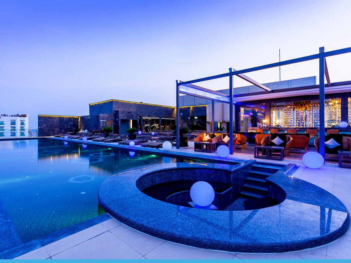 Centara Grand Phratamnak hotel