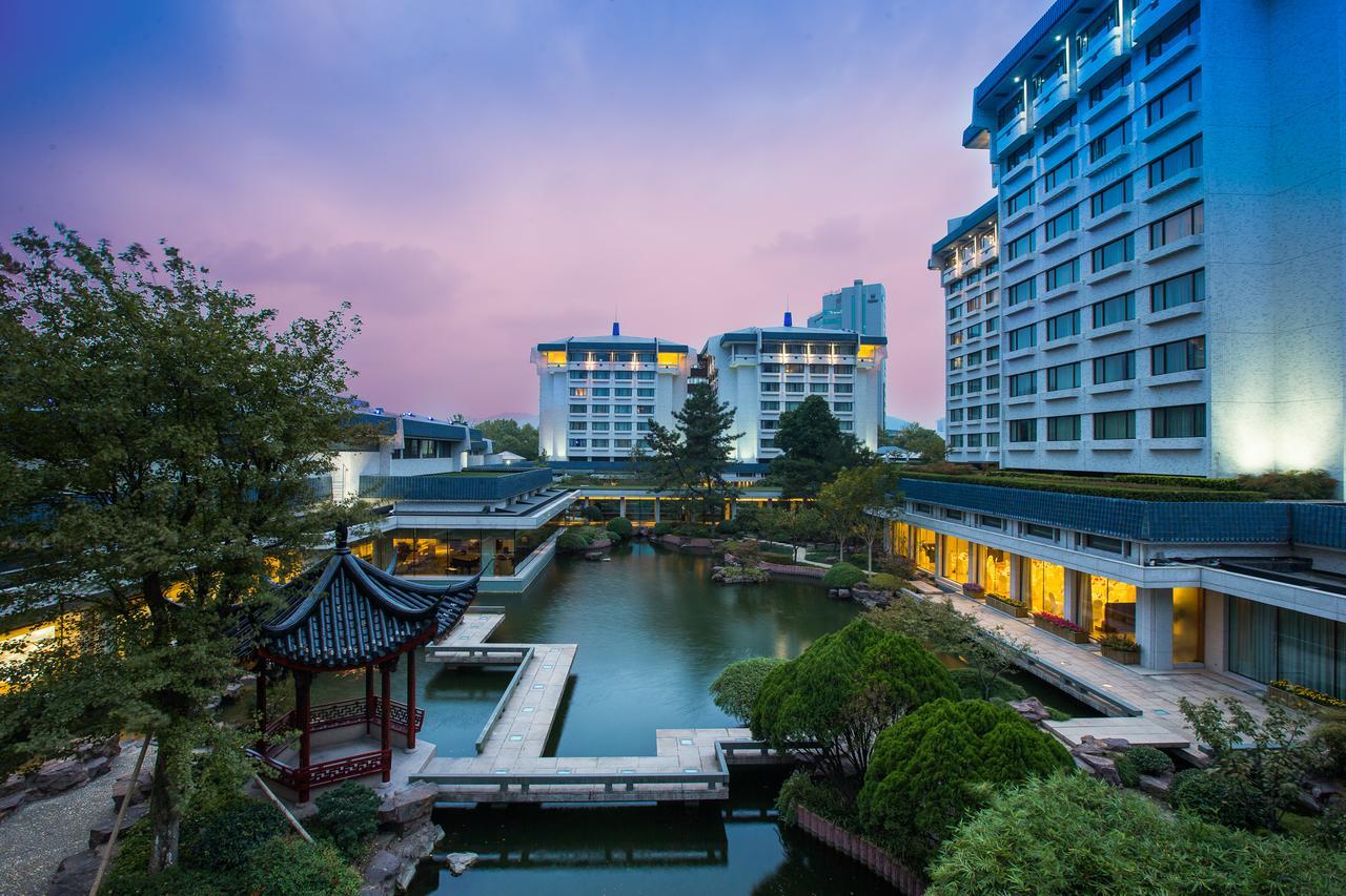 Dragon Hangzhou hotel