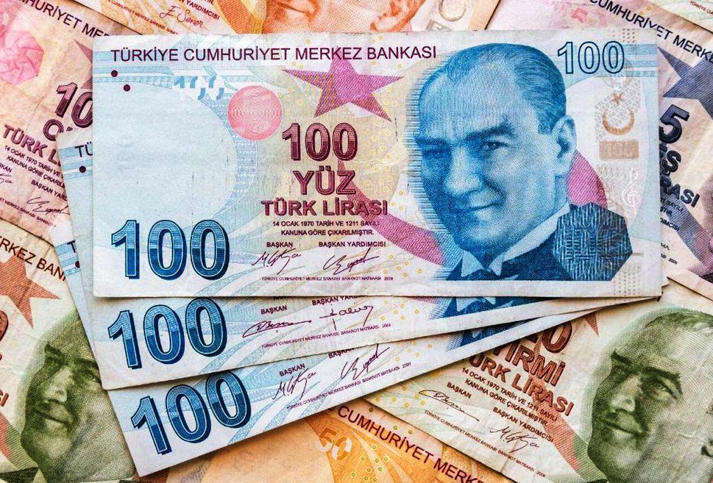 در سفر به ترکیه لیر ببریم یا دلار