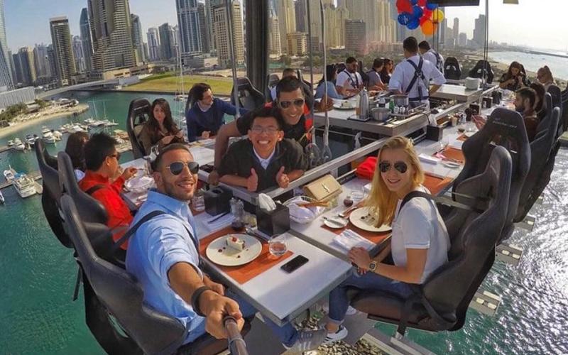 رستوران دینر این د اسکای دبی، تجربه یک شام لوکس در آسمان