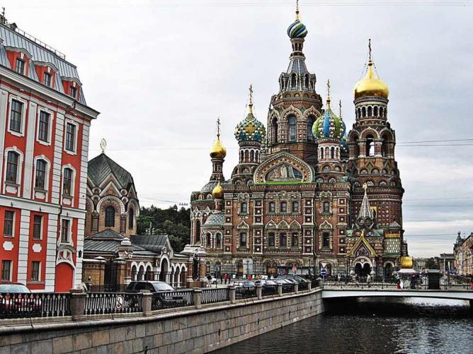 ۶ کلیسای دیدنی و زیبا در سنت پترزبورگ روسیه
