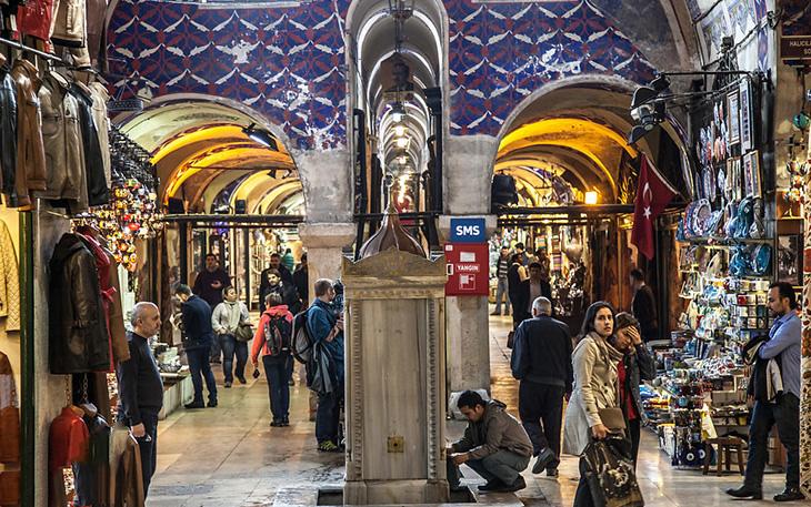 معرفی یکی از بزرگترین بازارهای سرپوشیده ی دنیا در استانبول