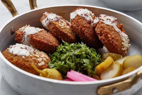 8 مورد از معروف ترین غذاهای خیابانی دبی