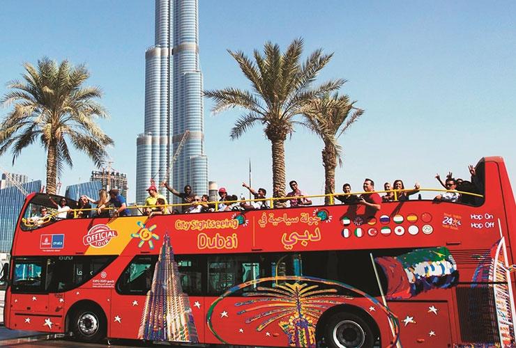 گشتی در دبی با اتوبوس دو طبقه