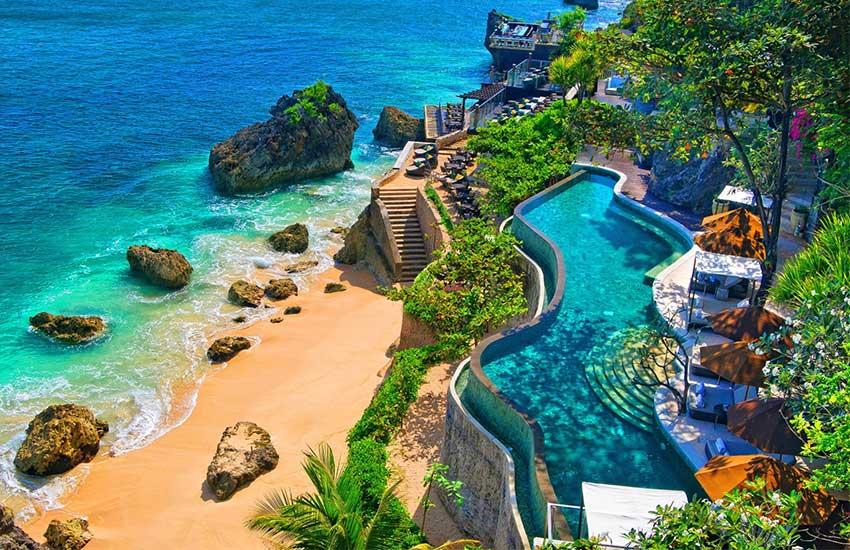 بالی تا سال ۲۰۲۱ گردشگر خارجی نمی پذیرد